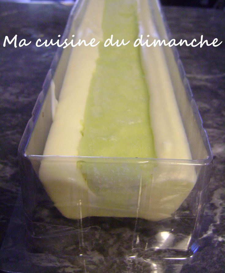 Bûche meringuée (mousse citron, insert citron vert, dacquoise à la ...