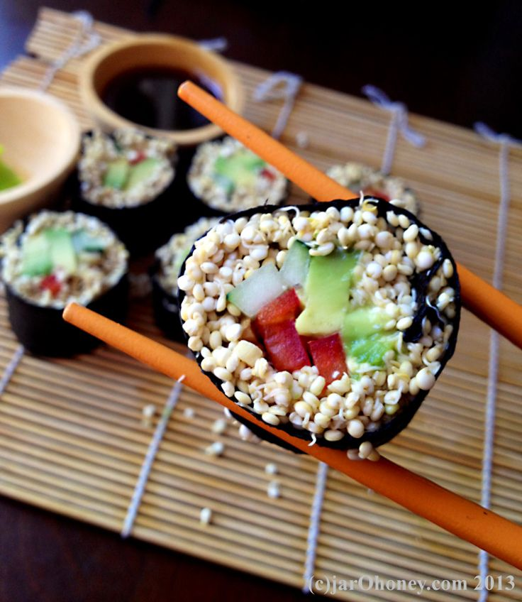sprouted quinoa veggie sushi for your next raw sushi craving