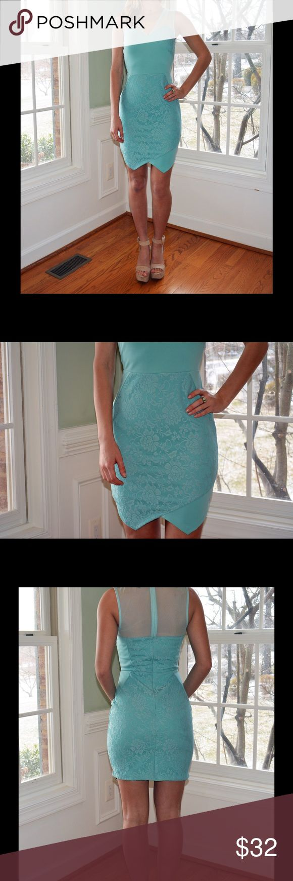 TOPSHOP mint green lace bodycon dress A beautiful mint green lace bodycon dress with a closed mesh back. It is a size 4 in Topshop but it can definitely fit sizes 2-4. It would be more like a midi dress for people 5'4 under and a mini dress probably 5'6 and above                   Stats:  5'3 112 lbs 32-24-36  ****Everything is final sale. Please make sure you comment if you any have specific questions about fit, comfort etc.**** Topshop Dresses Midi