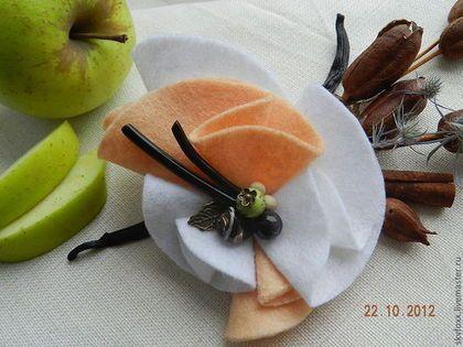 """Брошь """"Ванильный десерт"""" - бежевый,брошь,брошь из фетра,текстильная брошь"""
