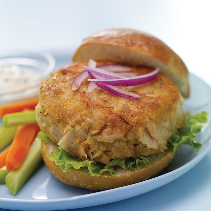 Tuna cakes, served on lettuce leaves or rolls, make a light lunch. Serve with lemon wedges or tartar sauce on the side.