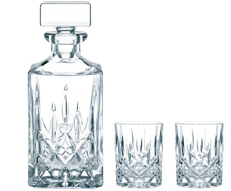 Noble Angelegenheit: Mit dem Whisky-Set NOBLESSE von Nachtmann können Sie absolut nichts falsch machen. Genießen Sie Ihren Whisky aus dem edlen Dekanter in den Kristallgläsern, die mit ihrem Design auch dekorativ in Ihrer Küche eine tolle Figur machen. NOBLESSE sind mit hübschen Ornamenten verziert und strahlen nur so vor elegantem Luxus.