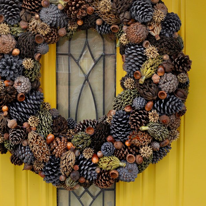 DIY Natural Fall Wreath; there is also a beautiful winter wreath upcycled from shopping bags