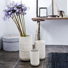 Ubehandlet stentøjs vase ved navn Lovesong