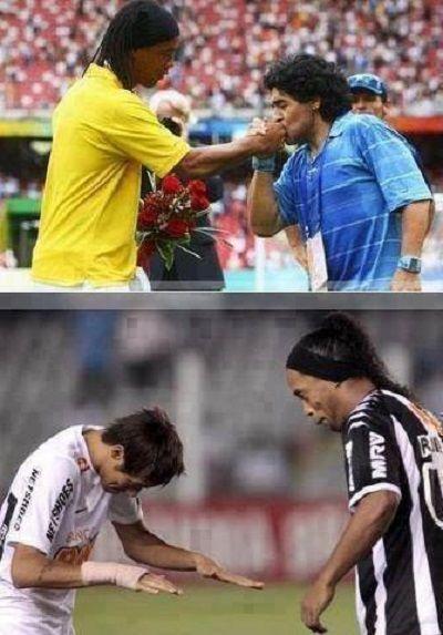 Nawet Diego Maradona jest zafascynowany grą Brazylijczyka • Wielki szacunek dla gry Ronaldinho Gaucho • Wejdź i zobacz więcej >> #ronaldinho #football #soccer #sports #pilkanozna