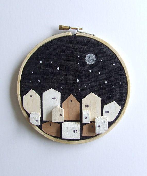 EVENTIDE - bois minuscules maisons sur art cerceau lin - neutre sticker décor