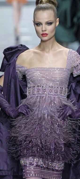 La mia scelta ed i miei gusti nel campo della moda, per classe ed elegante. Ninni                 Valentino