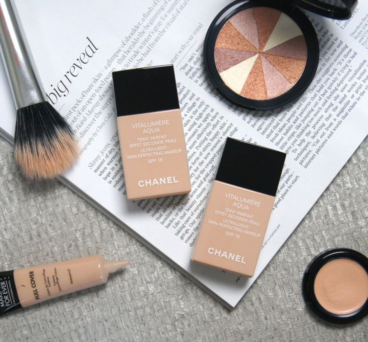 Chanel Vitalumiere Aqua Foundation Review & Swatches #chanel #foundation #bbloggers #makeup #beauty
