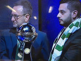 Blog Esportivo do Suíço:  Campeã e homenageada, Chapecoense recebe a taça da Copa Sul-Americana
