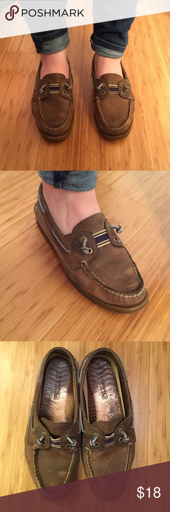 ☀reduced ☀️ Brown Sperry Topsiders Brown Sperry's. Very broken in and worn but still in great condition. No trades, please! Sperry Top-Sider Shoes Flats & Loafers