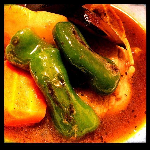 あったかスープカレー((*´∀`*)) お出汁は茅乃舎の野菜出汁と骨付きのもも肉で、カレーペーストはベル食品で(・ω・)ノ 九州と北海道のコラボです(笑)  やっぱりスープカレー美味しい - 57件のもぐもぐ - Soup curry スープカレー by Yasuko1113