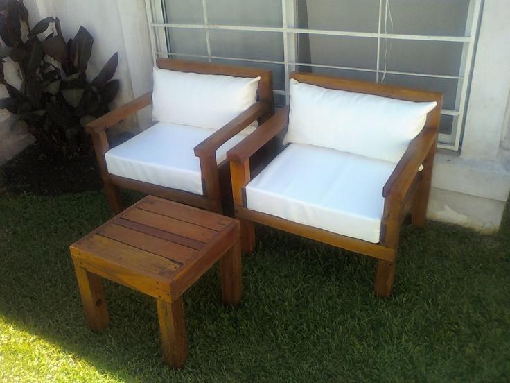 juego de jardin de sillones y mesa ratona de madera dura