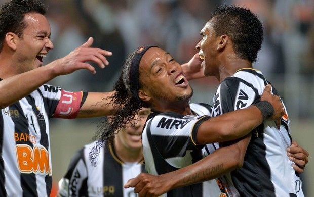 Ainda sem poder sentar por ter levado de quatro na Libertadores, o São Paulo prometeu apoiar as Marias na empreitada contra a covardia no esporte.