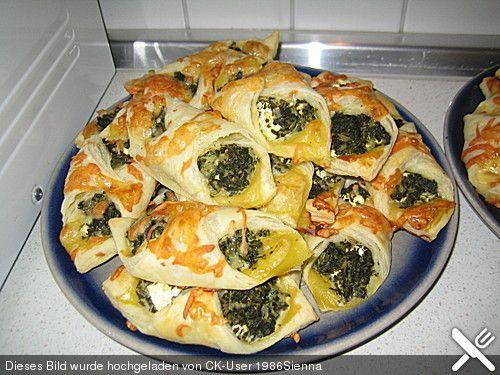 Blätterteig - Dreicke mit Spinat und Feta