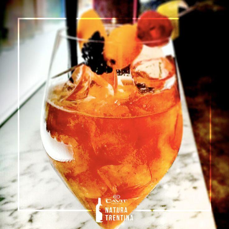 Al MIO city bar Park Hyatt Milan, Andrea Rella ha dato vita a questo particolare cocktail tutto italiano: #MüllerThurgau Trentino, #Campari, #Aperol e #chinotto. Coniugare #happyhour e l'alta cucina si può. http://bit.ly/1Je9cpg