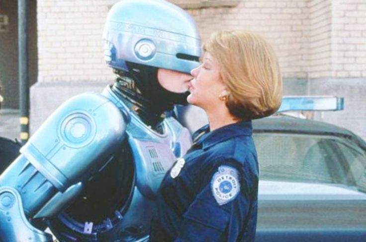 deleted scene of robocop wild kiss with partner anne lewis they were rotting for it!! hot kiss! peter weller & nancy allen