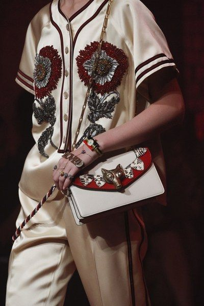 See detail photos from the Gucci Spring 2017 show at Milan Fashion Week.