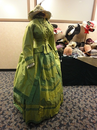 1870s dress, photo by Jen Thompson from the 2012 AE show