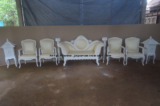 Set Kursi Pengantin Duco 520x344 Set Kursi Pengantin Duco