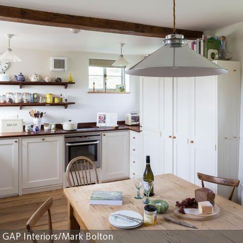 Rustikaler Essbereich In Heller Wohnküche