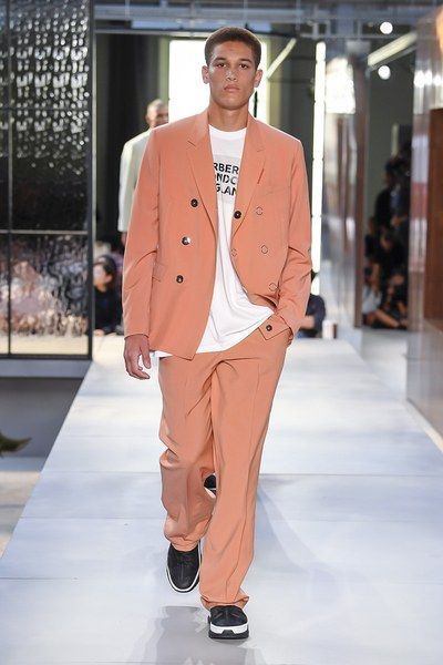 View the full Spring 2019 collection from Burberry. – Street Fashion Trends