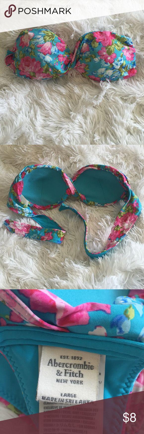 Abercrombie & Fitch Floral Bandeau Bikini Top Abercrombie & Fitch floral twist front strapless bikini top with a tie back. No push-up. Abercrombie & Fitch Swim Bikinis