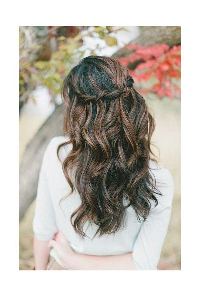 Peinados ondulados con trenzas for Semirecogido rizado