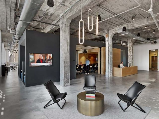 Free-floating PODS ADD INTIMATENESS to MullenLowe's headquarters - News - Frameweb