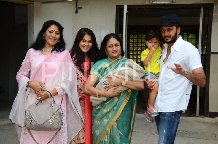 Riteish-Genelia Pose with their New Born Baby, Elder Son Riaan Looks On! | PINKVILLA