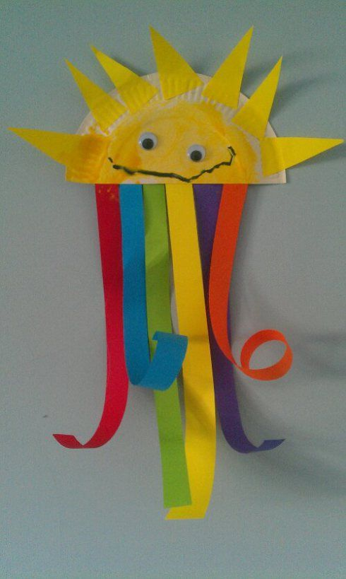 rainbow sunshine toddler craft-so colorful and bright...great for a classroom., from entertainingmonsters.com