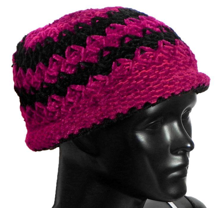 Ladies Hand Knitted Black and Red Woolen Beannie Cap (Woolen)