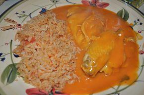 Mole ranchero con pollo y sopa de arroz rojo. DÍA 105 18 de abril Grado de dificultad: Fácil Porciones: 5 Hace algunos días que ...