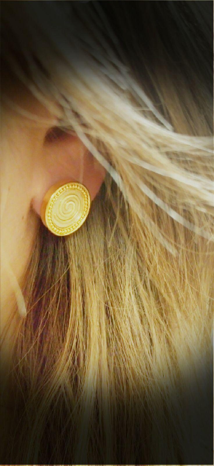 amazing gold handmade earrings 18k