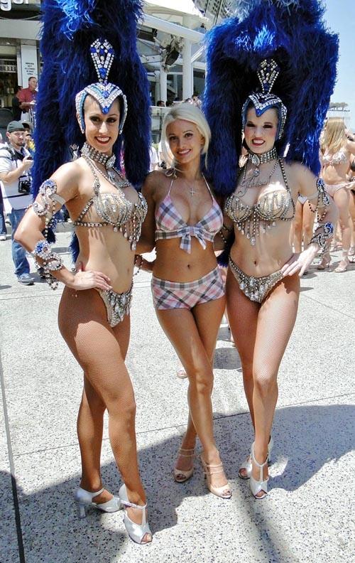 Holly Madison The World's Largest Bikini Parade