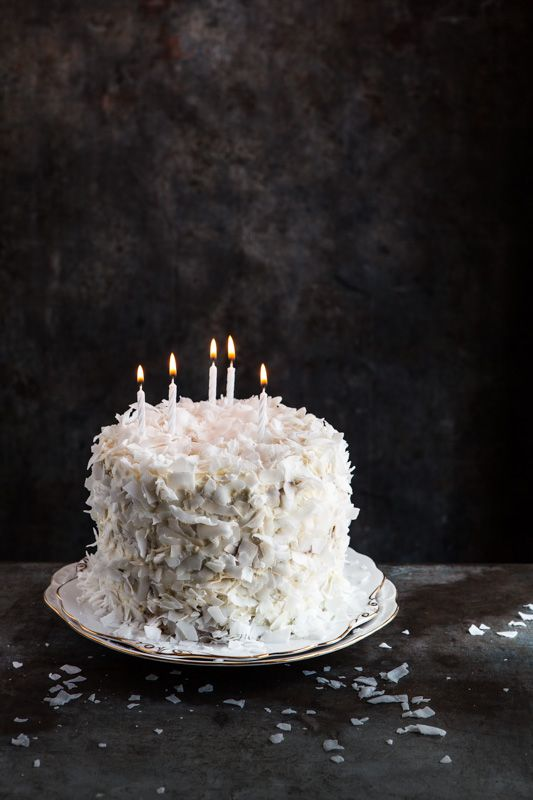 White Cake Easy Dessert Recipes Dark Food Photography Food Cake
