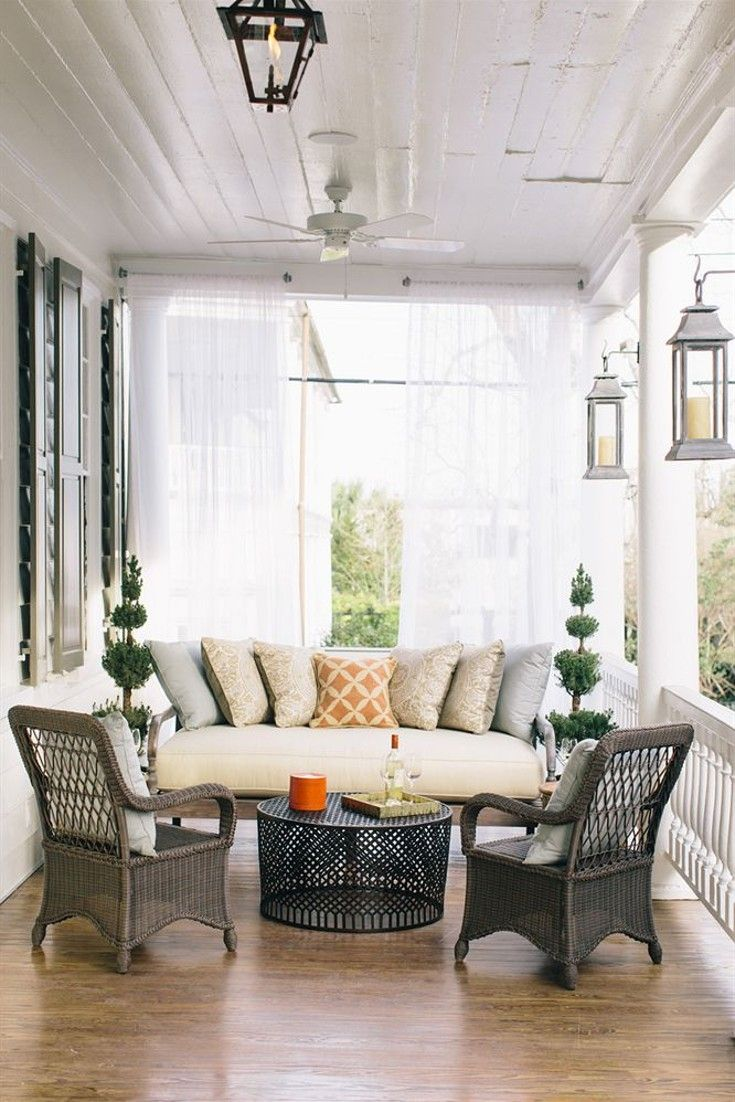 Come on in. The gang is all here. Sip on some sweet tea with southern charm. Zero George Street (Charleston, South Carolina)
