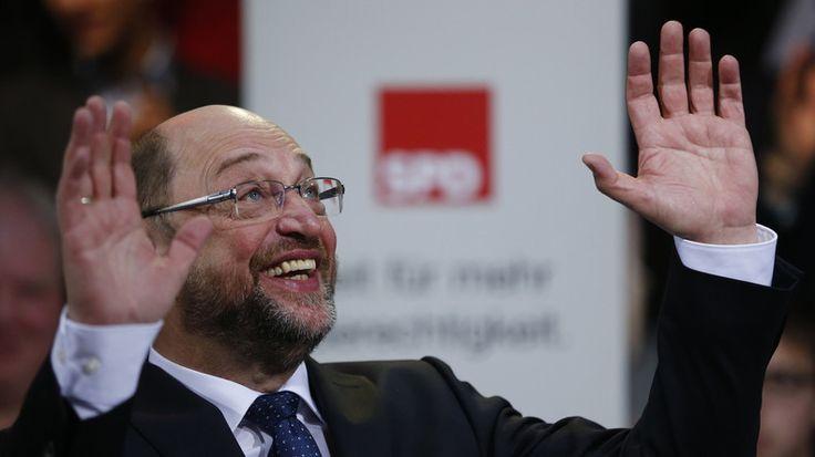 Hartz IV-Reformen, CETA, steigende Rüstungsexporte – in den vergangenen Jahrzehnten hat die SPD wenig getan, um ihrem Ruf als sozialdemokratische Partei gerecht zu werden. Massenhaft wanderten die Wähler ab. Nun soll alles besser werden. Der Wandel heißt Martin Schulz.