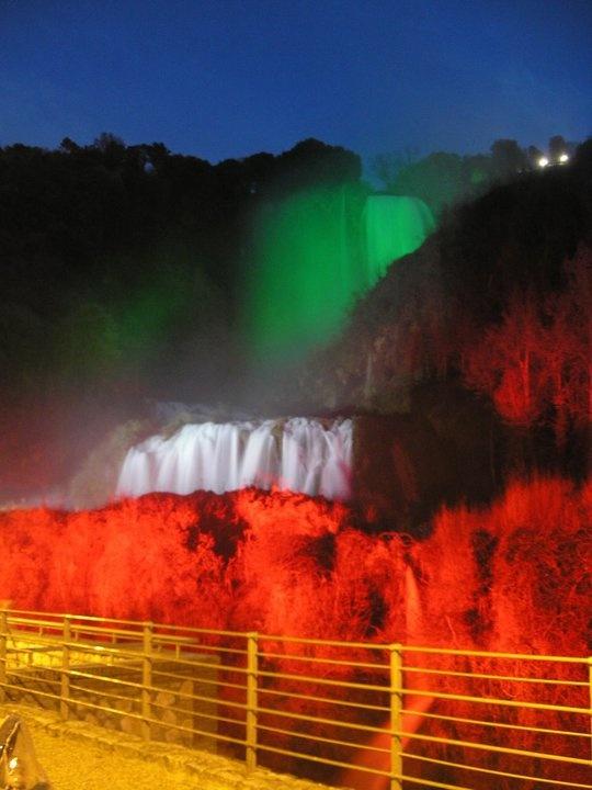 Per i 150 anni della Repubblica, la nostra cascata si vestiva di tricolore