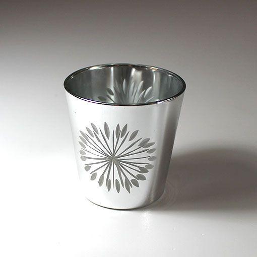 Smart lys-glas til jul. Lysglasset er i sølv med to store stjerner på.