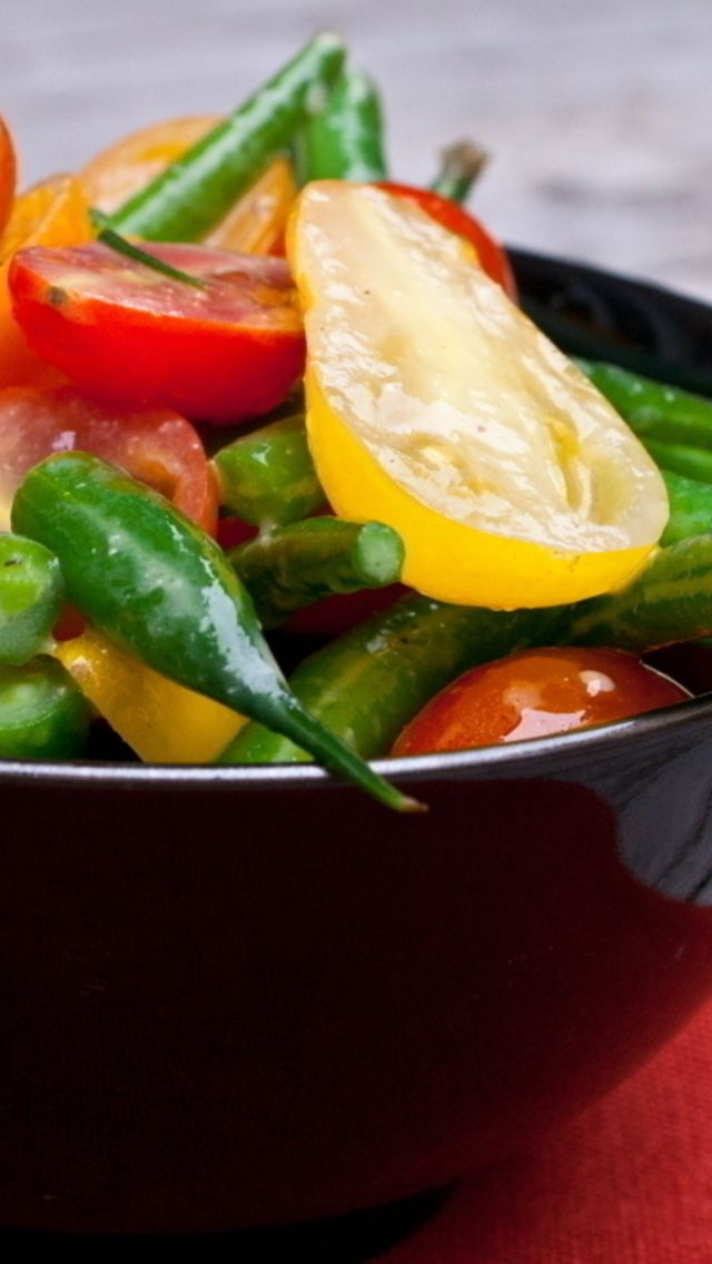 Tomato and Green Bean Salad | CookBook ~ Salad & Dressing | Pinterest