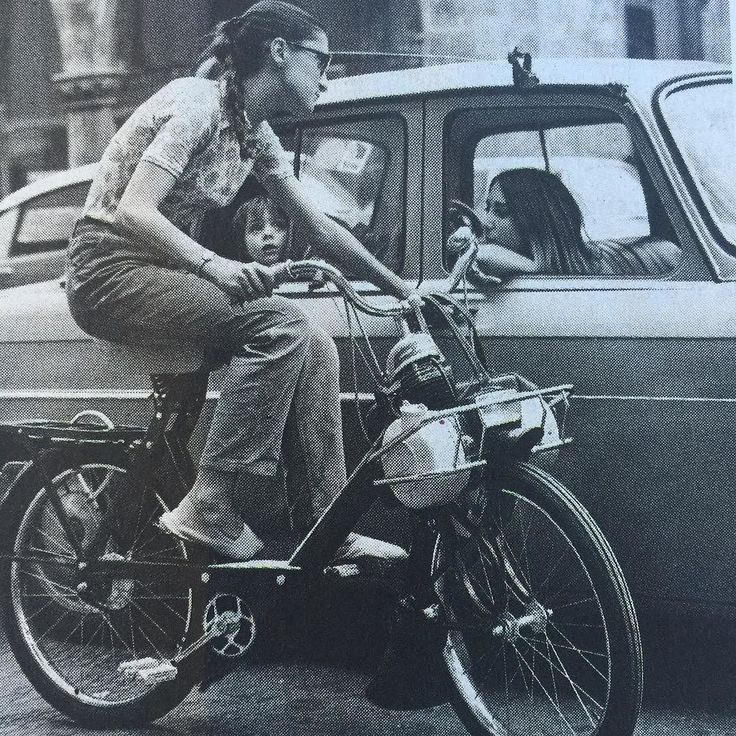 Who remembers #Solex ? #french invention born 70 years ago a #bicycle with a 45cm3 engine a #60s #icon among #students #vintage #vintagebike #velosolex #cool #oldschool #happybirthday