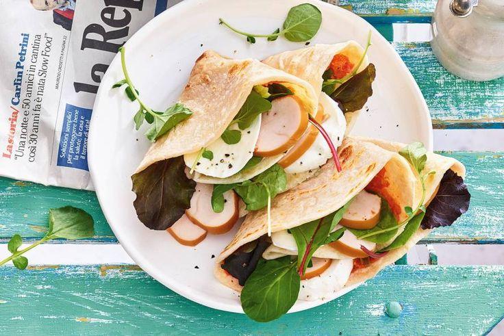 Zongedroogde tomaatjes, rode pesto, buffelmozzarella: dit is écht op en top Italiaans. - recept - Allerhande