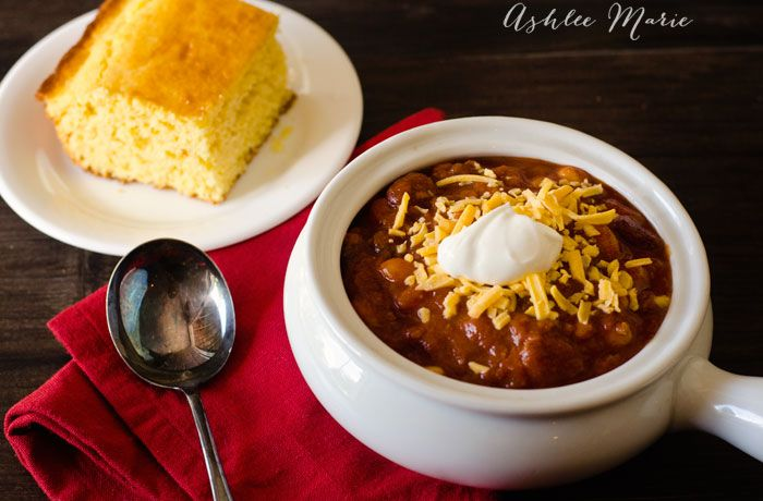 an award winning easy and delicious beef chili recipe, great to make for your family, neighbors and friends