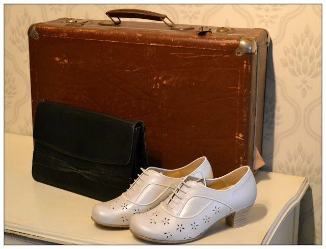 VisaLiza            : Berättande väskor och skor...