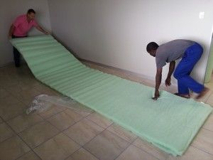www.homeinsulations.co.za | suspended-ceiling-rolling-out-isotherm-home-insulation