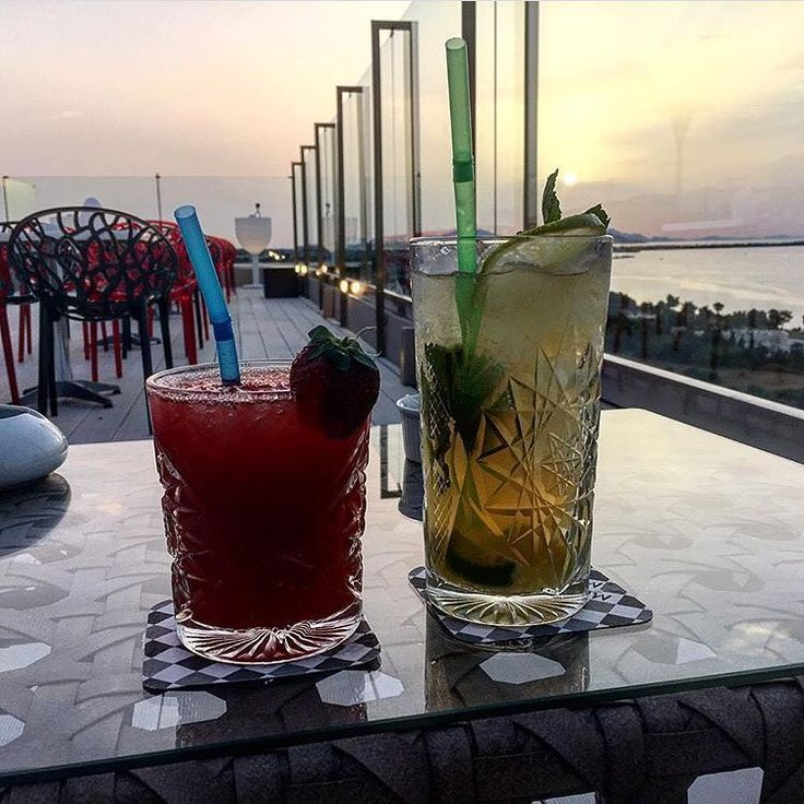Cocktails at our famous Red Loft Bar with panoramic views over the Greek island of Kos!! #drinks #cocktails #redloftbar #kipriotishotels #greekislands #summer #greeksummer #holidays