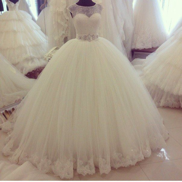White Ivory Cap Sleeve Wedding Dresses Beading Lace Tulle Ball Gown Bridal Gown