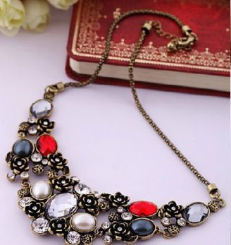 Once upon a time Necklace Statement fashion white red silver elegant antique touch www.thehangoutb.com