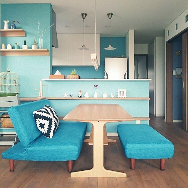 色のパワーで運気アップ!カラーインテリアのコツ | RoomClip mag | 暮らしとインテリアのwebマガジン