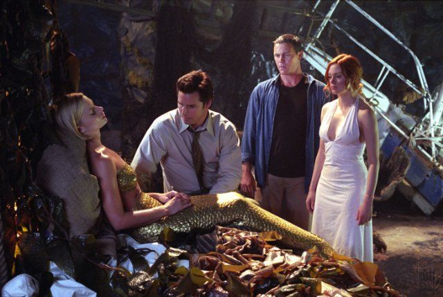 Rose McGowan, Jaime Pressly, Dan Gauthier, and Brian Krause in Charmed (1998)